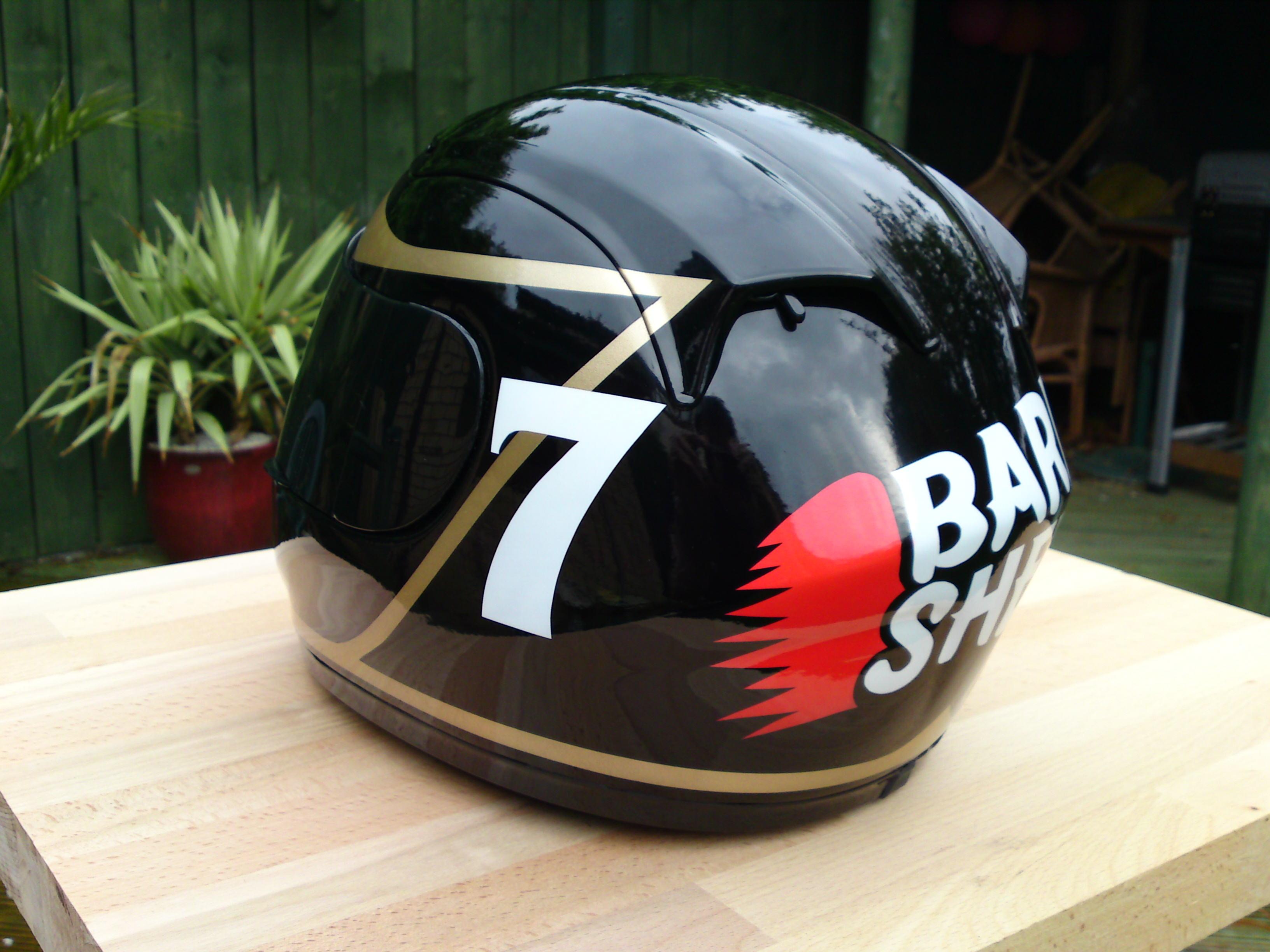 barry sheene replica helmet   kustomflow hull   east