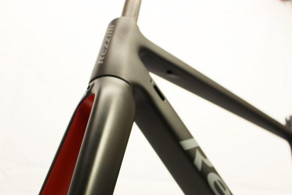 Rezzilli Carbon Fibre Bike Respray by Kustomflow